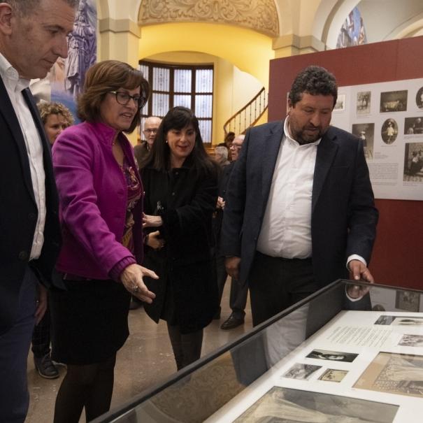 Diputació mantindrà fins al dia 21 l'exposició homenatge de Matilde Salvador