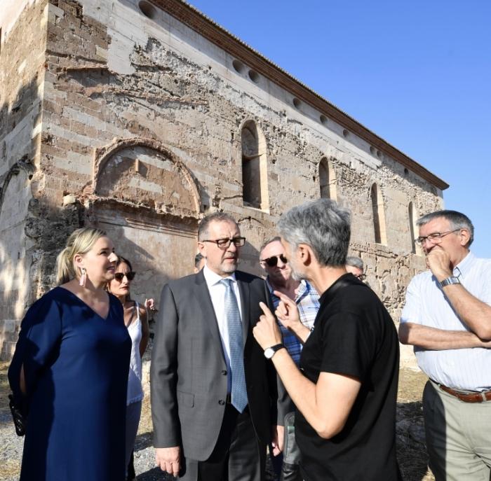 José Martí assisteix a Altura a la reobertura de l'església major de la Cartoixa de Valldecrist