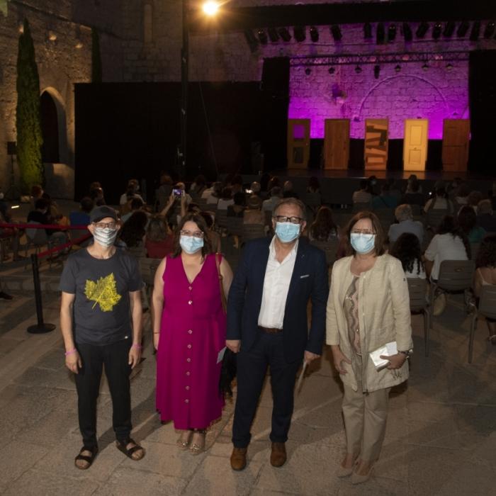 José Martí asiste a la representación de 'El increíble asesinato de Ausiàs March' con la que arranca el XXIII Festival de Teatro Clásico de Peñíscola