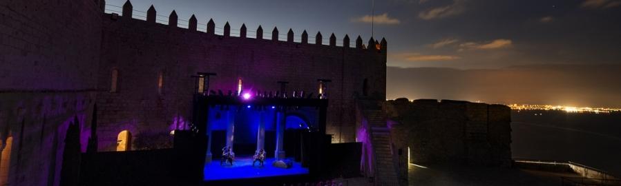El Festival de Teatro Clásico Castillo de Peñíscola comienza su recta final con 'Commedia'