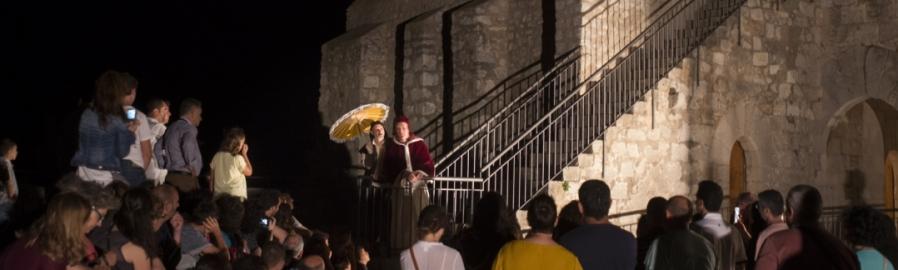 Las visitas teatralizadas nocturnas al Castillo de Peñíscola protagonizan la agenda cultural
